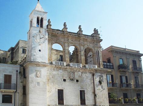 Piazza Mercantile Bari vecchia