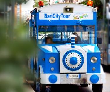 Trenino turistico vedere Bari