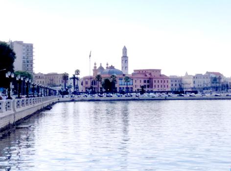 Panorama lungomare di Bari