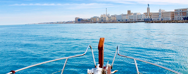 Bari from the sea: boat tour enjoying a delicious Apulian aperitif