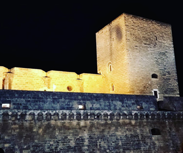 Visitare castello svevo e grotte Castellana Bari