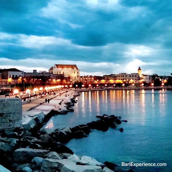Foto lungomare sera Bari
